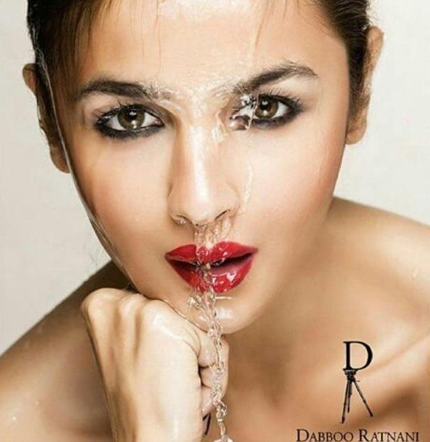 This picture of Alia Bhatt is full of lustfullness